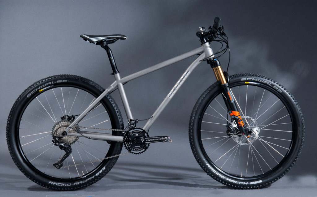 MountainBike9480